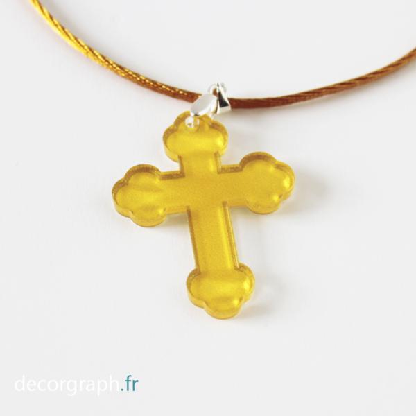 croix en plexi à porter