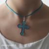 croix moderne en plexi à porter